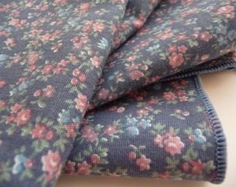 SALE vintage napkins, blue napkins, cloth napkins, four napkins, fabric napkins, small flowers, vintage linens, housewares, table setting