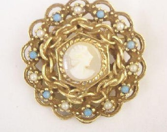 Goldette Shell Cameo Pin - Vintage