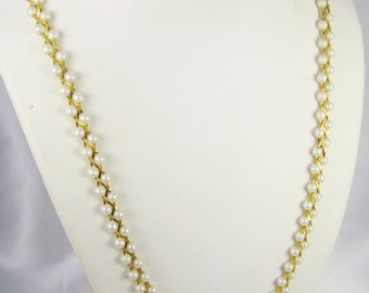 Vintage Gold Tone Metal and Faux Pearl Necklace