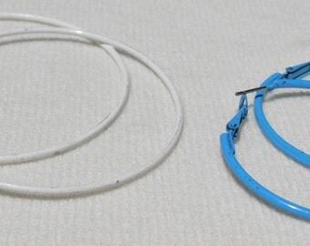 Lot 2 Pair Vintage 70s Hoop Earrings White Metal and Blue Metal Hippie Style Fun