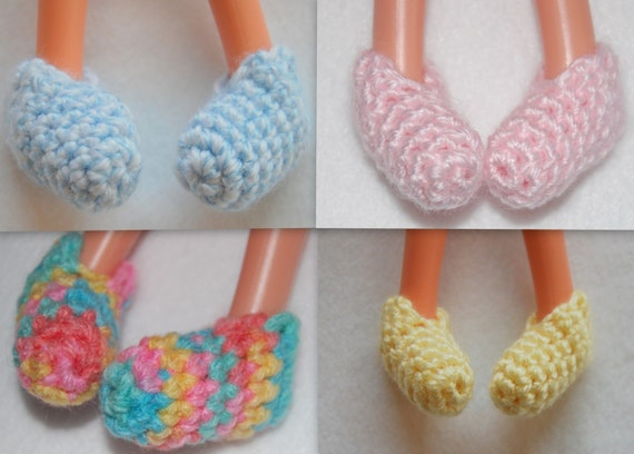 """PDF Pattern - Crochet Slippers  to fit 12"""" Lalaloopsy Dolls -instant download"""
