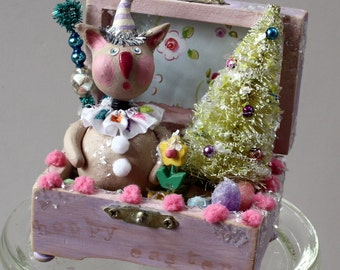 Vintage Look Easter Holiday Bunny Rabbit Treasure Box Decoration