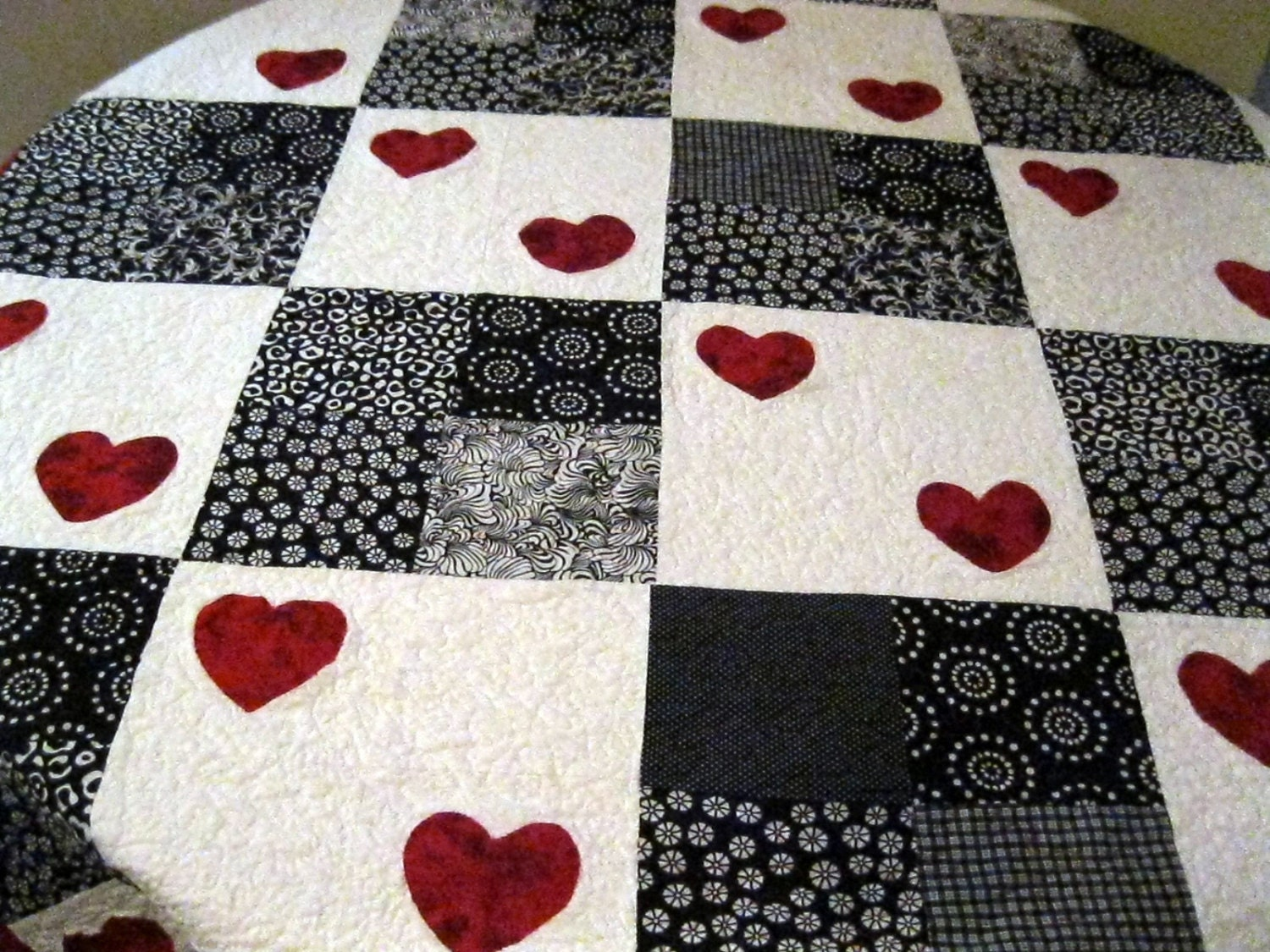 Black White Red Quilt Hearts Queen Bed Quilt Spring Trends