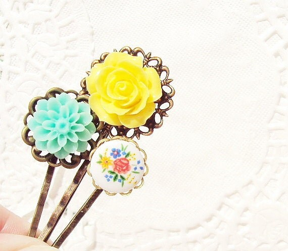 Flower Hair Pin Set - Bobby Pin - Whimsy - Whimsical - Romance - Bridal