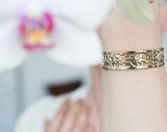 Gold cuff, Floral bracelet, Gold bracelet, Daisiy design, Gold bangle, Thin gold cuff bracelet, Dainty gold bracelet, Delicate gold cuff