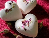 Romance Bath Bomb Heart fizzy - with Rose and Jasmine - all natural no synthetics