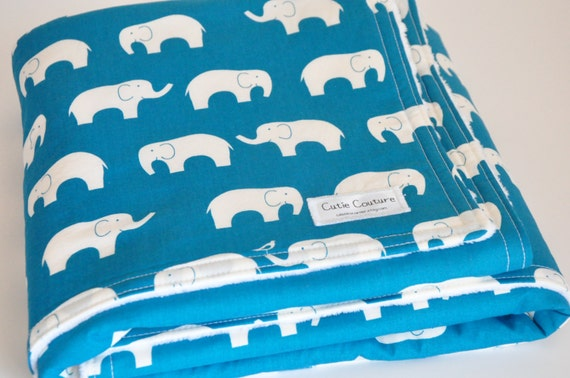 31 X 31 Organic baby blanket in teal elephants. 3 layers make it extra soft and cudldy