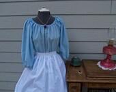 Prairie Pioneer Renaissance Colonial Dress Costume bonnet dress apron