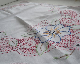 Vintage Floral Cotton Table Runner Embroidered Pink
