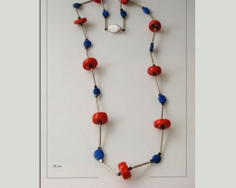 Necklace for a painter