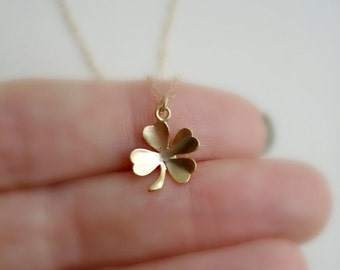 Clover Necklace In Gold or Silver Lucky Charm Irish Luck Shamrock Necklace Irish Wedding Bridesmaid, Everyday Jewelry, Modern, Minimalist