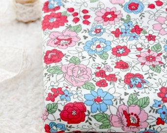 Lovely Floral on Cotton in WHITE, U6051