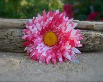 Flower Hair Clip-PINK CAMO DAISY-Floral Hair Clip, Country Girls, Rustic Country Weddings, Summer Vacation, Barn Party, Daisy Hair Clip