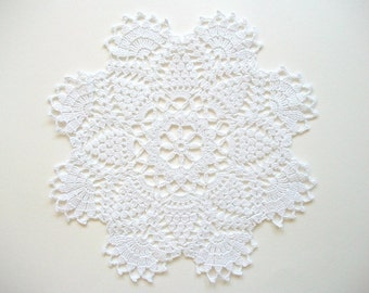 White Crochet Doily Cotton Lace Runner with Large Fan Edge and Picots Heirloom Quality