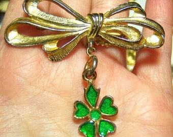 gold tone bow with green flower or green clover dangle vintage brooch pin SB13