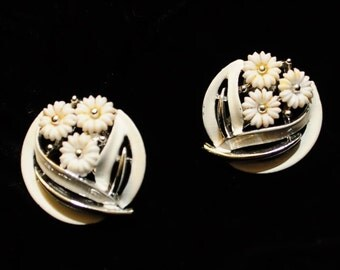 LISNER Vintage White Enamel Screw Back Earrings