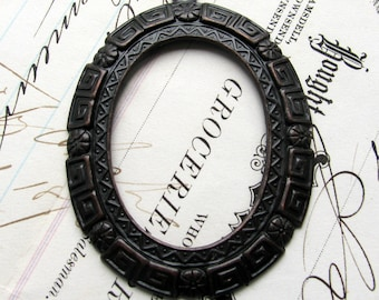 40x30mm oval brass frame setting cameo, cabochon - Greek key edge trim - dark antiqued brass 30x40mm 40 x 30 40mm 30mm 40x30 open back