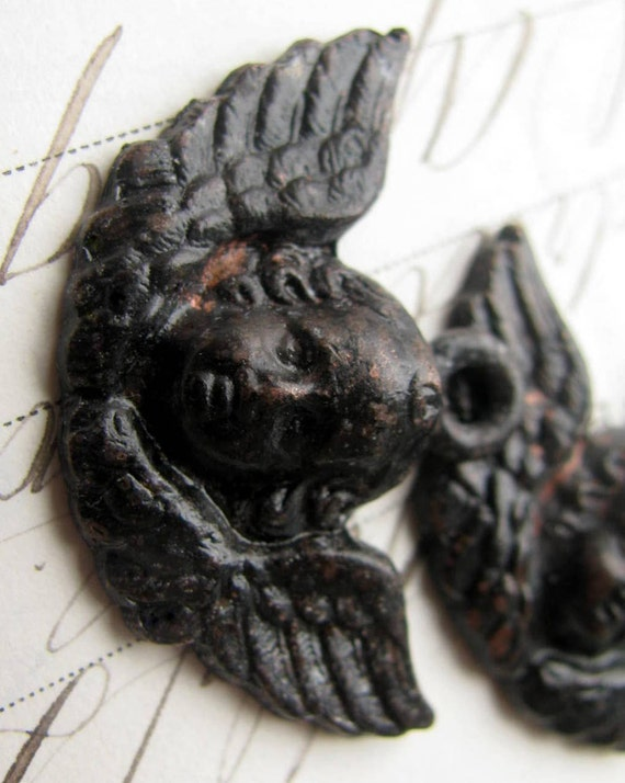 Winged cherub face, angel pendant from Bad Girl Castings, 35mm, black angel, antiqued black pewter, dark aged patina, angel wings CH-SC-041