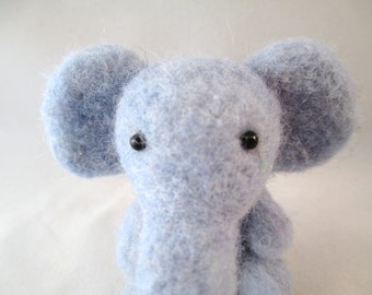 Needle Felted Elephant, Needle Felted Animal, Felt Animals, Felted Animals, Wool Elephant, Felt Elephant, Elephant Art, Elephant Gift,