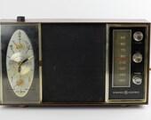 SALE Vintage General Electric Alarm Clock Radio