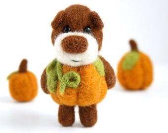 made to order - Felted pumpkin bear