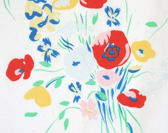 Oleg Cassini flat bed sheet. Wildflower bouquets, floral, poppies, red, yellow, blue, green.