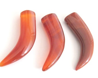 2 pieces - Carnelian gemstone tusk horn pendant - GM080