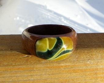 Walnut Ring Yellow and Green Bubble Splash Size 11.5 or Customized Fit