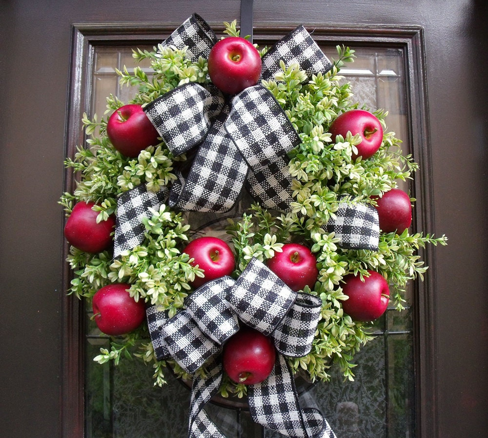 Williamsburg Wreath Fall Wreaths Boxwood Wreaths Kitchen
