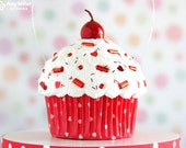 Valentine's Day Ornament - mini cupcake heart polka dots #CUP150