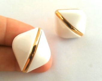 NATALIE Gold & Off White Clam Shell Stud Earrings