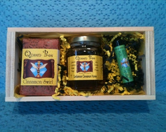 Cardamom cinnamon honey gift box by Queen Bee Honey in Massachusetts