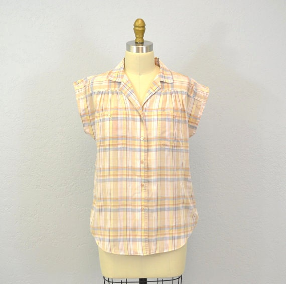 1970s plaid camp shirt / short sleeve / pastel / Large