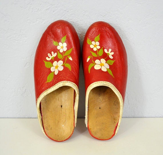 Vintage wooden clogs / red leather/ flower