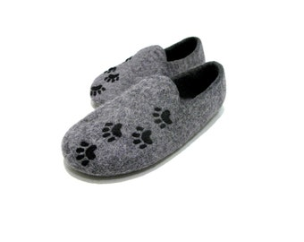 Cat lover ladies felted wool slippers with paws