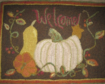 Welcome Autumn hooked rug pattern on primitive linen