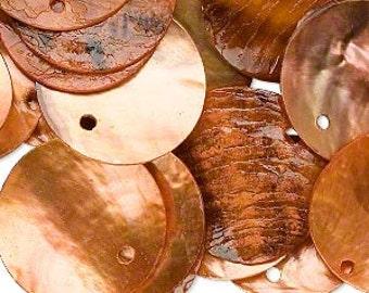 25pcs Mussel Shell Pendant Natural Drop 20mm Round Orange