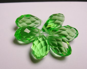 Faceted teardrop crystal briolette beads - 6 pcs - 18mm by 10mm - top sideways drill - peridot green  color