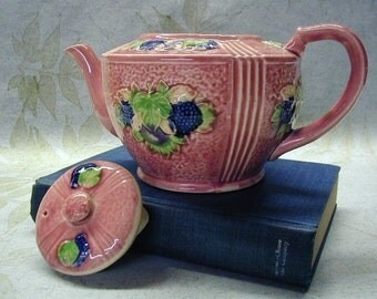 Japanese Majolica Teapot - OLD Japan - Blackberries - Plums - Mauve - Tea Party - Collectible - Tea Pot with Fruit - Majolica Teapot - Pink