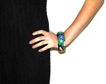 Vintage 60's/70's Hand-Painted Black Floral Chunky Bracelet