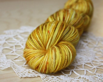 Hand Dyed Yarn / DK Weight / Gold Golden Amber Mustard Midas Superwash Merino Wool
