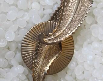 vintage pin brooch,beautiful unique shape,