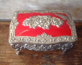 Vintage Ornate Rose Motif Metal Jewlery Trinket Box Fun