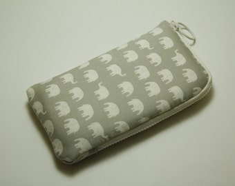 Iphone 5 Case /Sleeve / padded zipper pounch with 2 interior pocket-little gray   elephant
