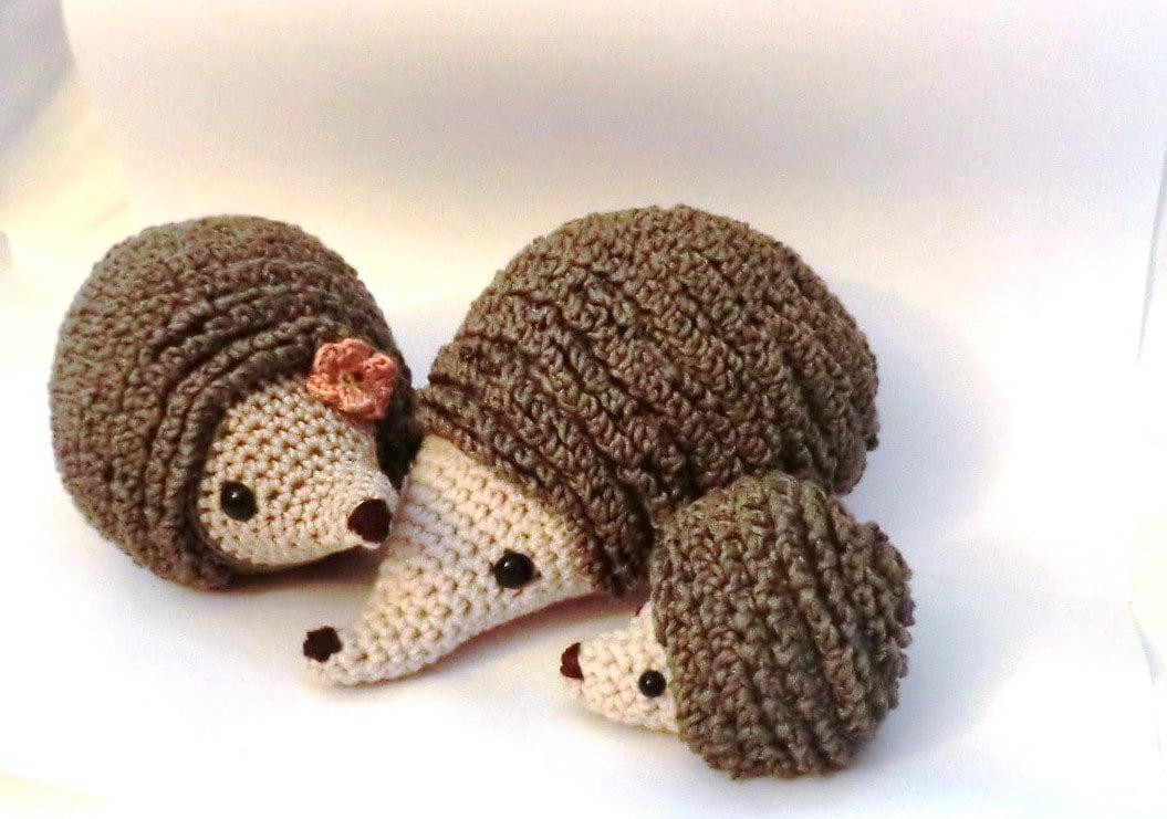 Small Hedgehog Knitting Pattern Free : Hedgehog family amigurumi PDF crochet pattern