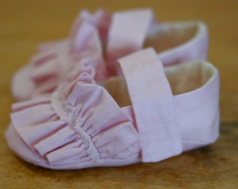 Last Pair, Ready to ship, 3-6 months - Baby Girl Shoes, Baby Slippers, Shabby Pink Mary Janes, Soft Sole Baby Booties