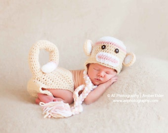 Download PDF crochet pattern - Sock Monkey hat and diaper cover - Phography Prop