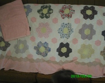 Free Shipping! 88 x 109  Grandmothers Flower Garden Quilt Top, Border and Coordinating Rose Colored Backing