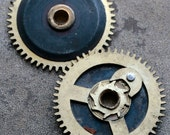 Vintage clock brass gears -- set of 2 -- D9