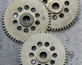 Vintage clock brass gears -- set of 3 -- D15